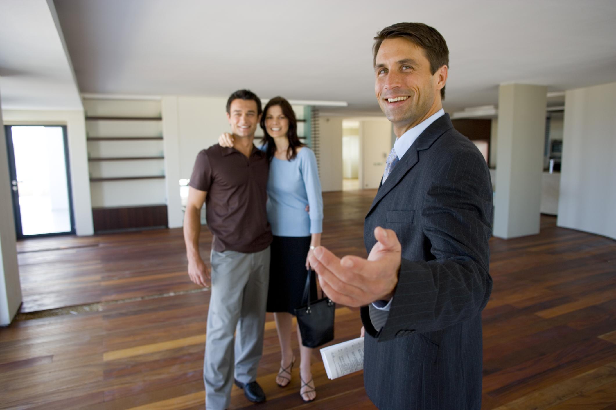 Resultado de imagen para agente inmobiliario